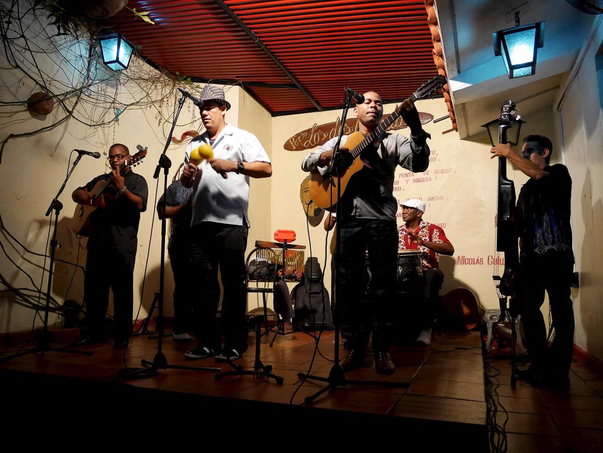Patio los Dos Abuelos;America;Cuba;people;Santiago de Cuba;travel